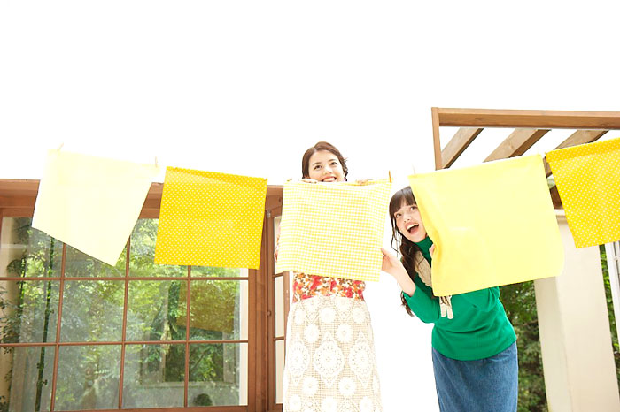 幸福の黄色いハンカチを前にして撮影